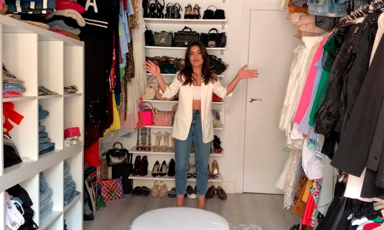 Toda su ropa y complementos, las claves de su organización... Dulceida nos enseña su vestidor