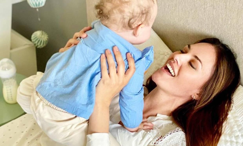 ¡Qué rápido pasa el tiempo! Helen Lindes hace balance del primer año junto a su hija Aura