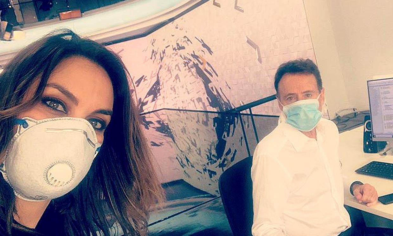 Distancia de seguridad y mascarilla, Mónica Carrillo cuenta sus nuevas rutinas de trabajo
