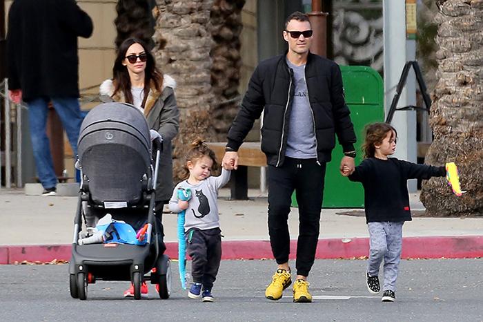 Megan Fox y Brian Austin Green con sus tres hijos