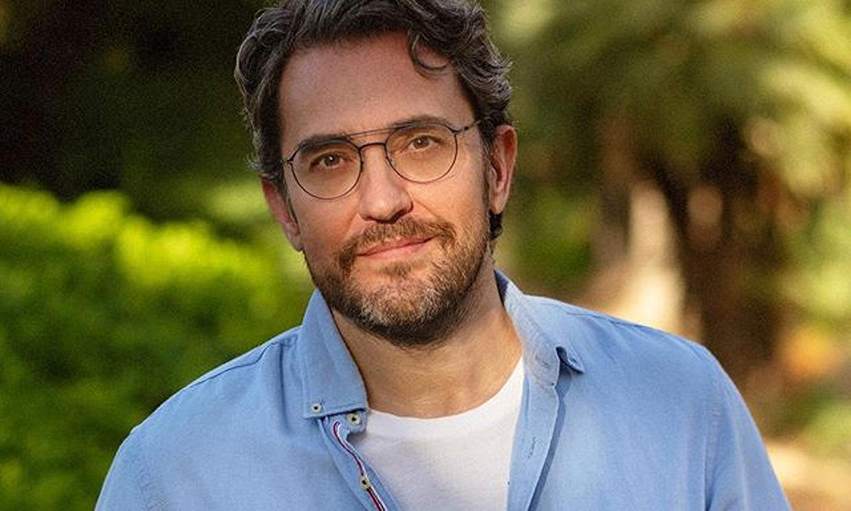 Máximo Huerta estrena ilusionado su novela y se sincera tras la retirada de su programa: 'Creo que es un error'