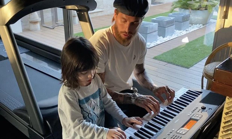 Sergio Jr., el mejor profesor de piano de su padre, Sergio Ramos