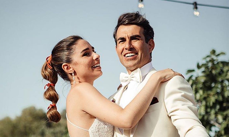 A punto de ser padres, Candela Serrat y Daniel Muriel celebran su primer aniversario de boda