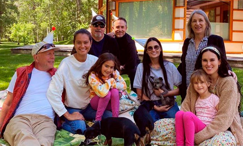Emma Heming, mujer de Bruce Willis, celebra su cumpleaños con toda la familia, ¡incluida Demi Moore!