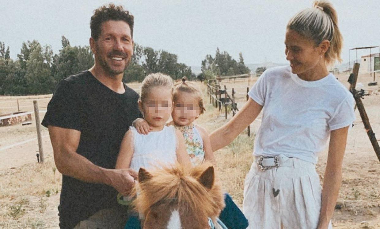 Carla Pereyra revive con sus hijas los veranos de su infancia