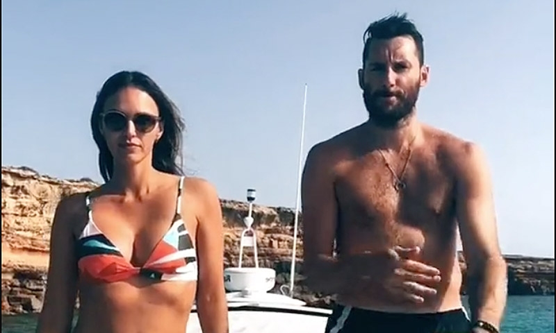 El divertido baile de Helen Lindes y Rudy Fernández en alta mar