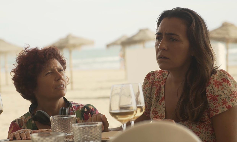 Icíar Bollaín se deshace en elogios hacia Candela Peña, la protagonista de su película 'La boda de Rosa'