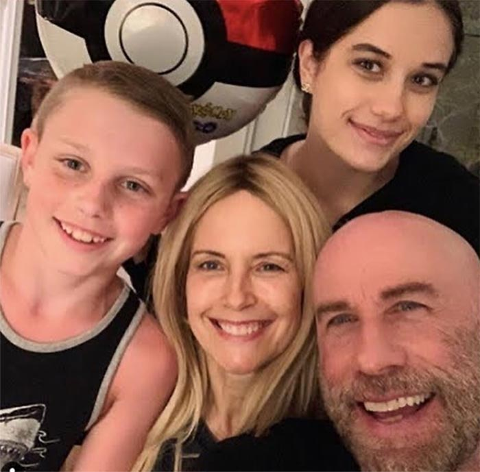 Kelly Preston con su familia