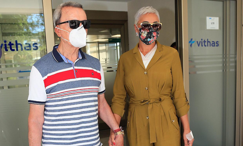Ana María Aldón sale del hospital con José Ortega Cano tras someterse a una operación de pecho
