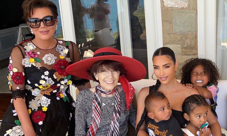 Un pastel de rosas y un concierto en vivo: así celebra Kim Kardashian el cumpleaños de su abuela