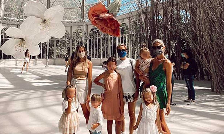 Carla Pereyra: flores, un palacio... y mucho arte, el perfecto plan con sus hijas