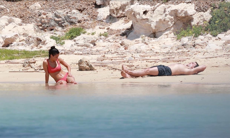 María Pedraza y Jaime Lorente, amor y relax en Formentera