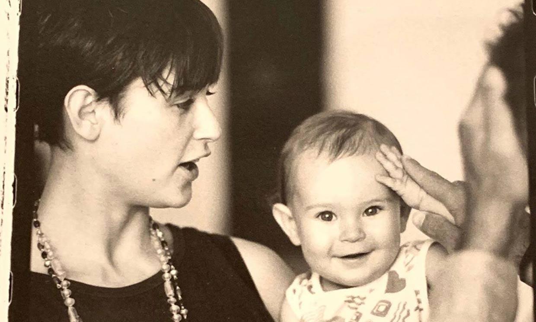 Demi Moore felicita a su hija Rumer Willis abriendo el baúl de los recuerdos