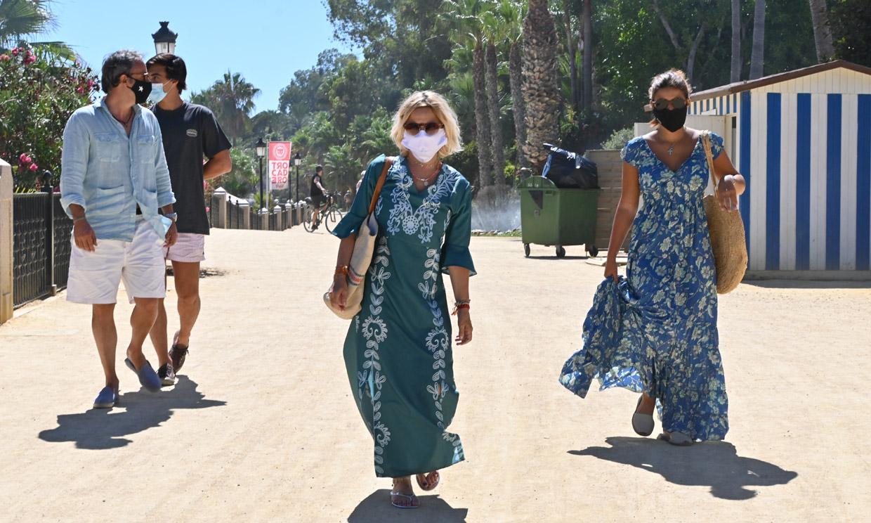 Eugenia Martínez de Irujo, de vacaciones en Marbella con Narcís Rebollo y su hija Tana