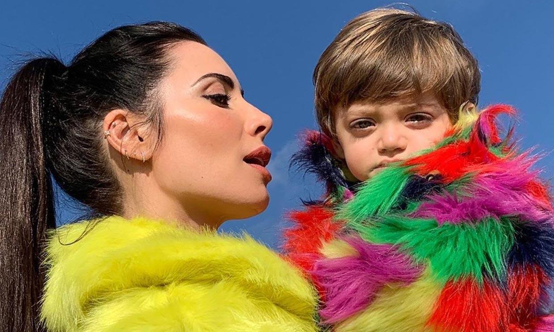 ¡Puro amor! Alejandro, el hijo de Pilar Rubio, se come a besos a su hermano pequeño Maximo