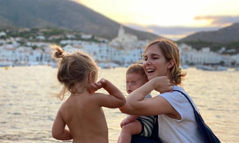 Natalia Sánchez, en su primer verano como mamá de dos: 'Un día me los voy a comer con patatas'