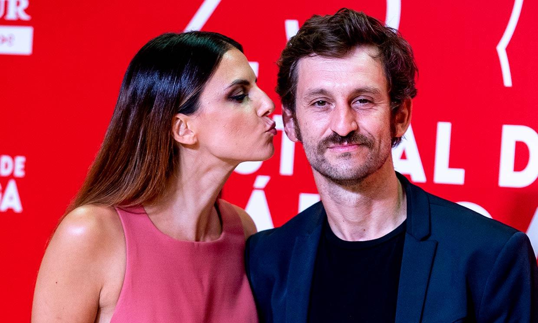 Del beso de Raúl Arévalo y su chica al orgullo de madre de Paz Vega en el Festival de Málaga