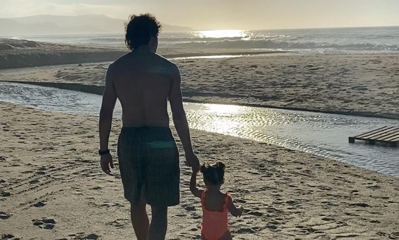 Las imágenes más familiares de Martiño Rivas y Kayoko Everhart con su hija