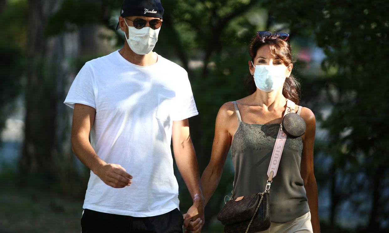 ¡Tan felices como el primer día! El paseo más romántico de Zinedine Zidane y su mujer, Véronique