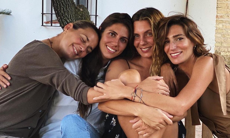 Las hermanas Domecq despiden juntas el verano: 'Todas para una y una para todas'