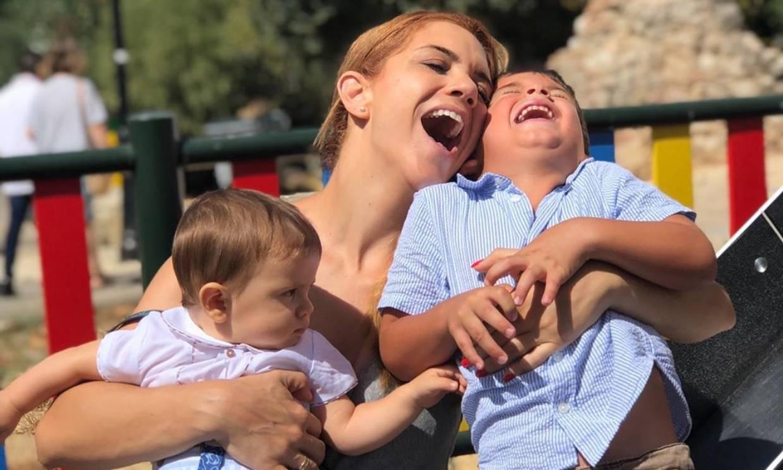 Beatriz Trapote abre el álbum de fotos de sus hijos y comparte imágenes inéditas de su vida familiar