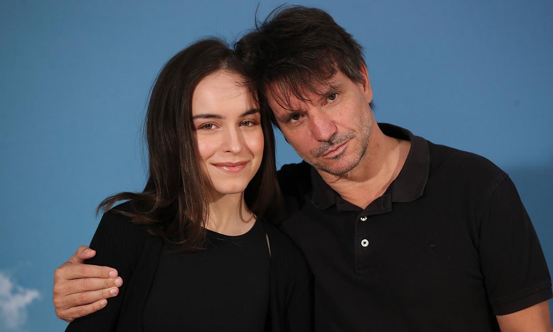 Gala Amyach, la hija de Achero Mañas que debuta en el cine: 'Como director es maravilloso y como padre también'