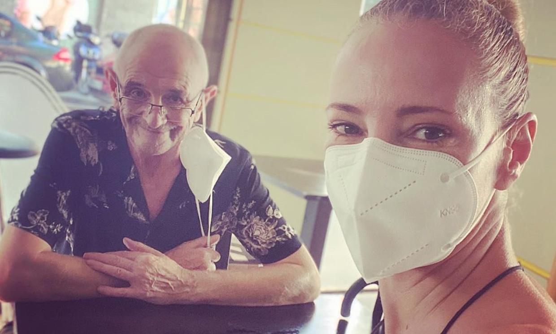 Paula Vázquez, el mejor apoyo de su padre enfermo de cáncer: 'Lo va a superar'