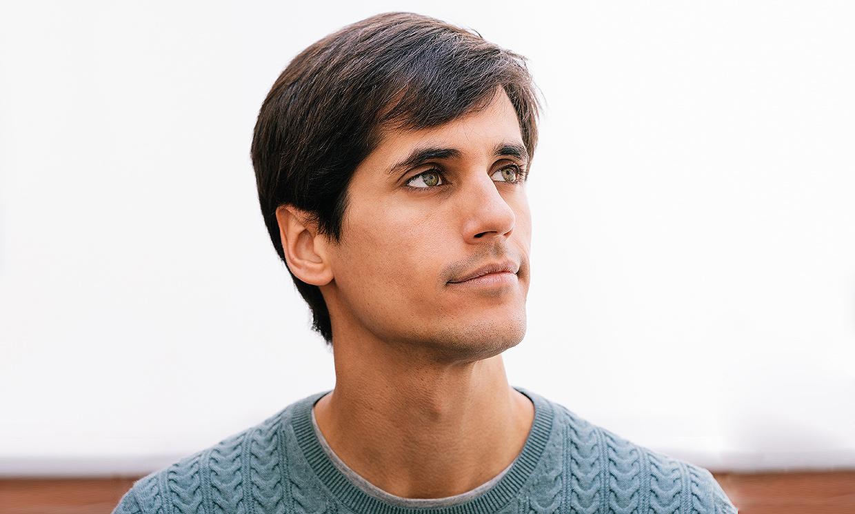 Àlex Maruny es actor, director y ahora... ¡escritor! Descubre todas sus facetas