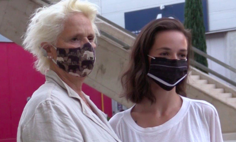 La reacción de Lucía Dominguín y su hija ante la postura de Miguel Bosé sobre el uso de mascarillas
