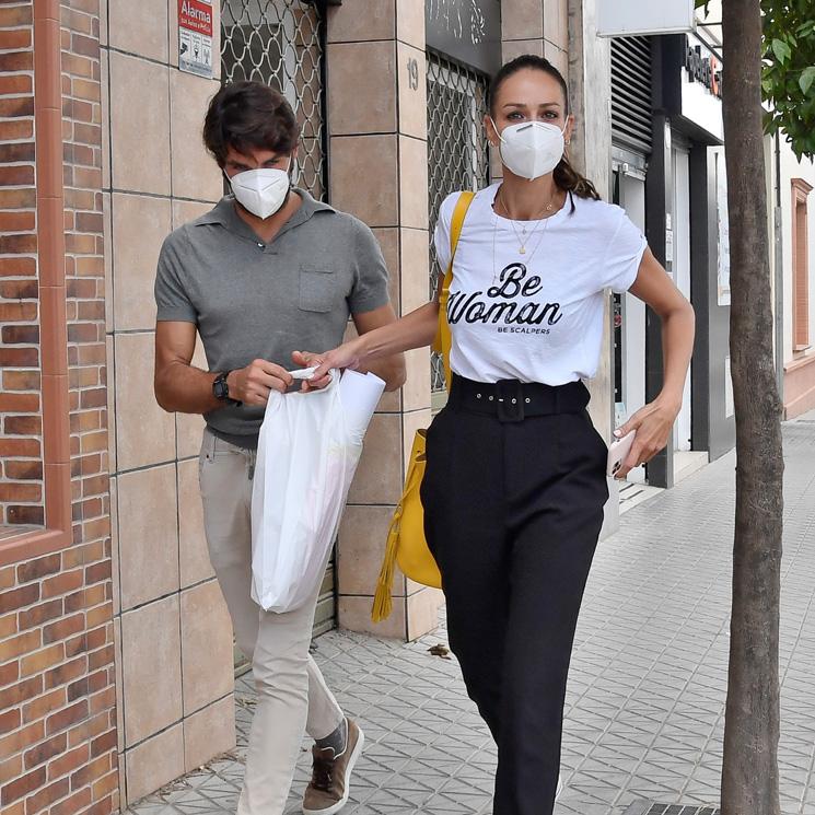 Eva Gónzalez y Cayetano Rivera siguen en Sevilla, pero ¿se plantean abandonar Madrid?