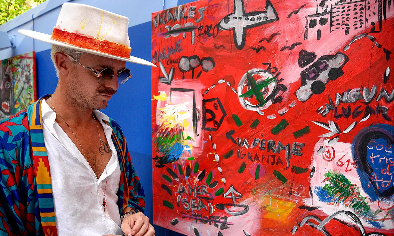 Aldo Comas, marido de Macarena Gómez, presenta su primera exposición como pintor