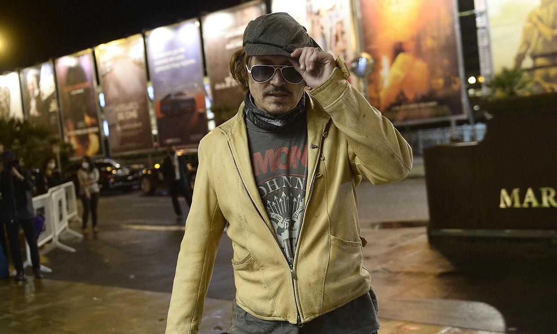 El Johnny Depp más rockero revoluciona el Festival de Cine de San Sebastián