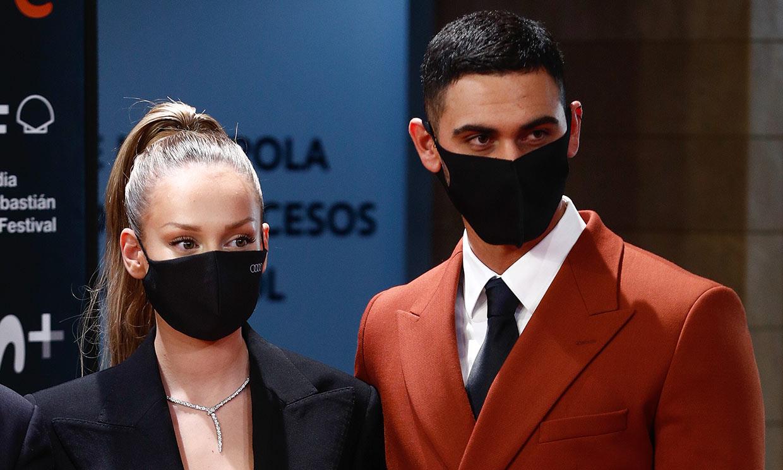 Ester Expósito posa por primera vez con Alejandro Speitzer en la alfombra roja: 'Tengo mucha suerte'