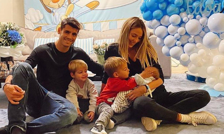 Globos, pósters y un oso gigante: la espectacular llegada a casa de Alice Campello con su bebé