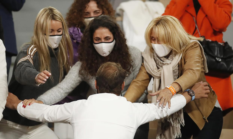 Rafa Nadal celebra su victoria con un efusivo beso a Mery Perelló