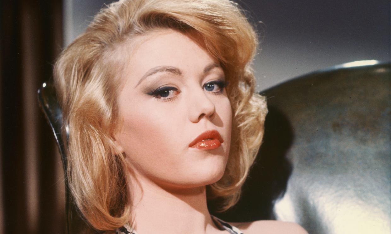 La chica Bond de 'Goldfinger', Margaret Nolan, ha fallecido a los 76 años