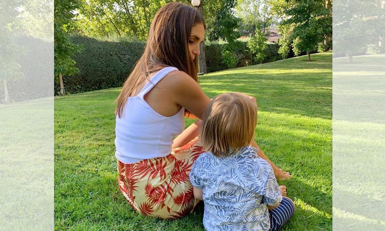 El hijo de Elena Furiase celebra su segundo cumpleaños con la ausencia de la 'agüela'