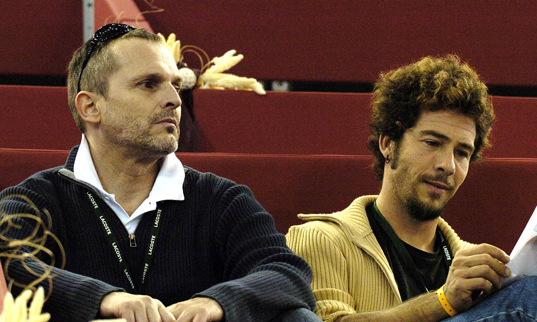 Miguel Bosé y su ex Nacho Palau se enfrentan este lunes al juicio por la filiación de sus cuatro hijos