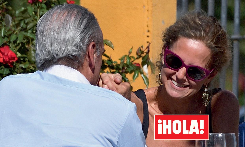 Exclusiva en ¡HOLA!: Mario Conde y Adriana Torres Silva, las románticas imágenes que confirman su relación