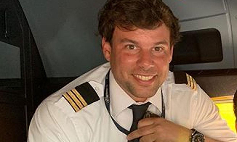 Piloto, deportista, solidario, tatuado... Así es Javier Artime, el novio de Belén Rueda