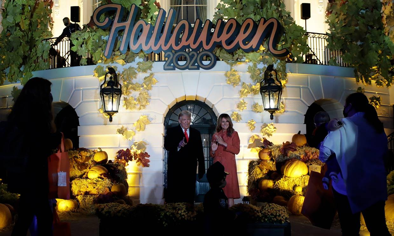 Donald y Melania Trump transforman la Casa Blanca para celebrar Halloween