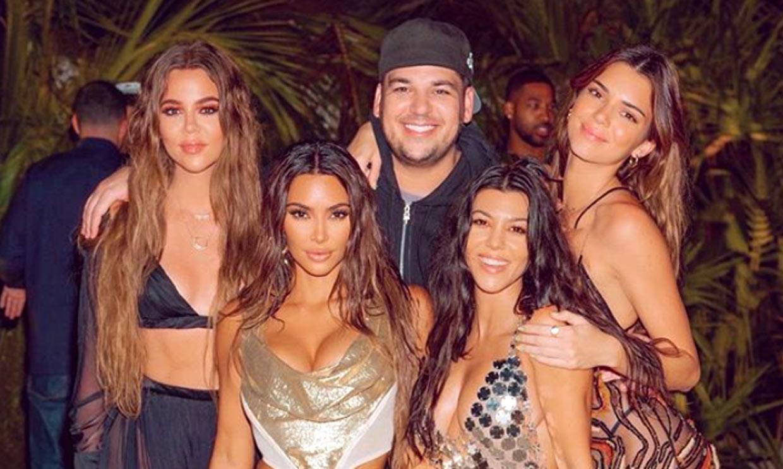 Kim Kardashian se supera en su 40 cumpleaños al llevarse a su círculo íntimo a una isla privada