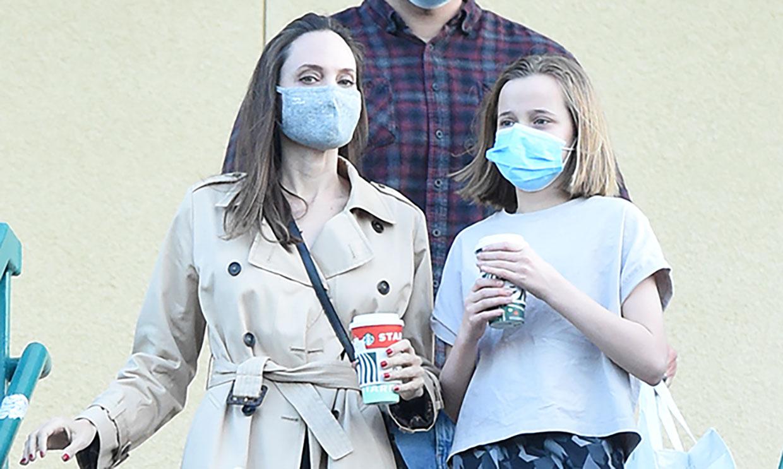 Angelina Jolie, en su momento más crucial como madre, disfruta de una tarde con su hija Vivienne