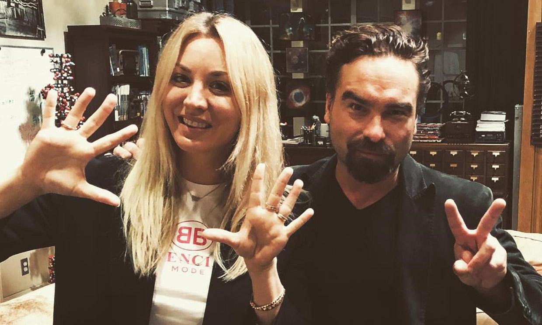 Kaley Cuoco y Johnny Galecki ('The Big Bang Theory'), un romance contrario al de la serie