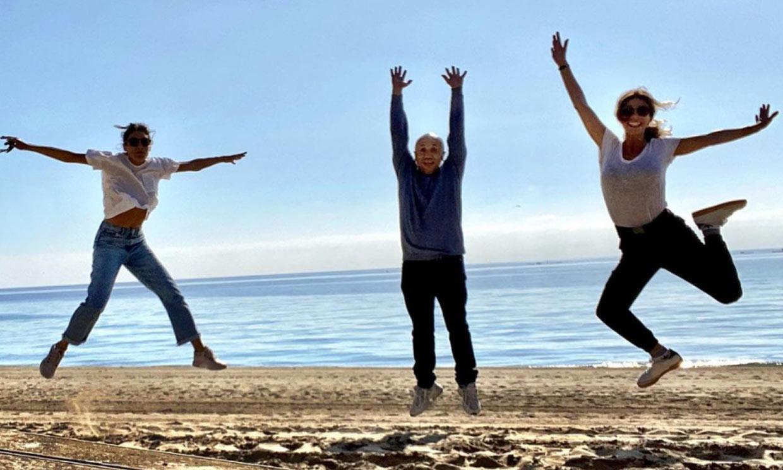 Amaia Salamanca y Maribel Verdú protagonizan su propio 'Libro de la selva' en la playa