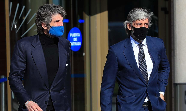 Alfonso de Borbón y Gigi Sarasola dan el último adiós al empresario Joao Flores