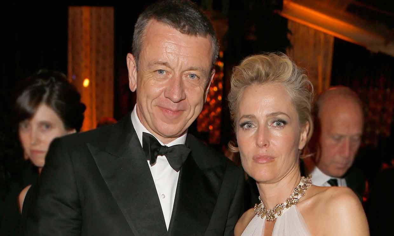 La desconocida relación de Gillian Anderson con su 'jefe', el creador de 'The Crown'