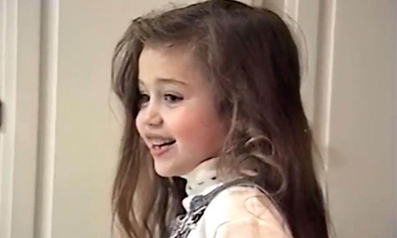 De animadora o cantando Britney Spears: Miley Cyrus rescata los divertidos momentos de su infancia