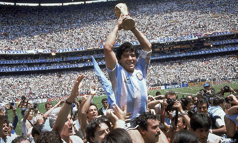 Diego Armando Maradona, el eterno 10 de Argentina, en imágenes