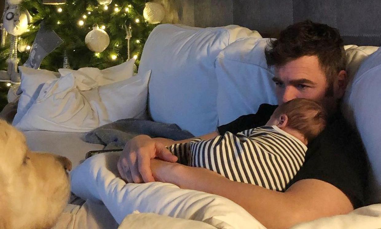 ¡Corte de pelo para dos! El plan de cumpleaños de Fonsi Nieto con su bebé